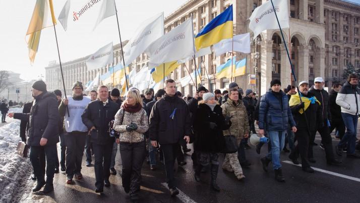 Наливайченко передав Порошенку 300 томів із заявами людей, які вважають себе постраждалими від дій офшорників у владі