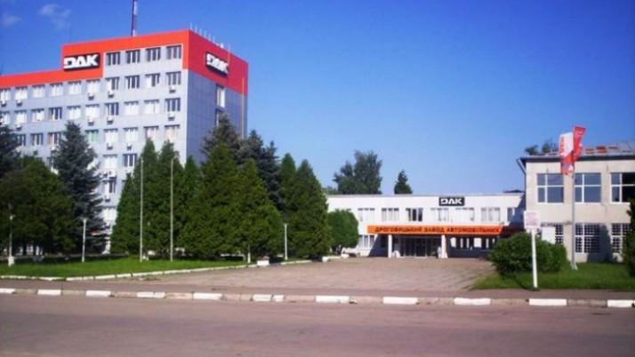 Боротьба за Дрогобицький завод автокранів триває