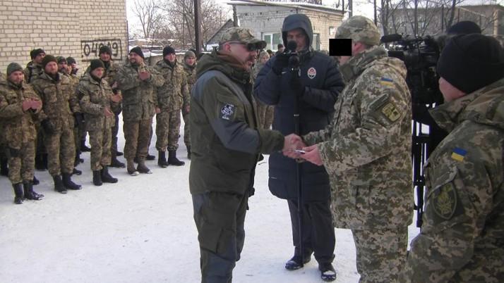 Медики ПДМШ отримали нагороди за врятовані життя захисників України