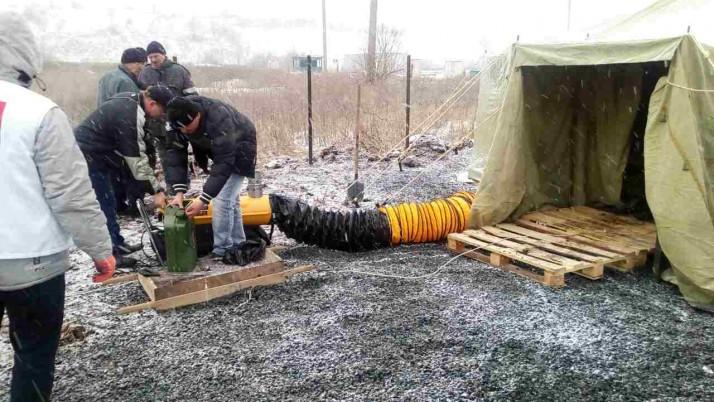 У рамках європейського проекту на КПВВ «Новотроїцьке» запрацював медпункт із пунтком обігріву