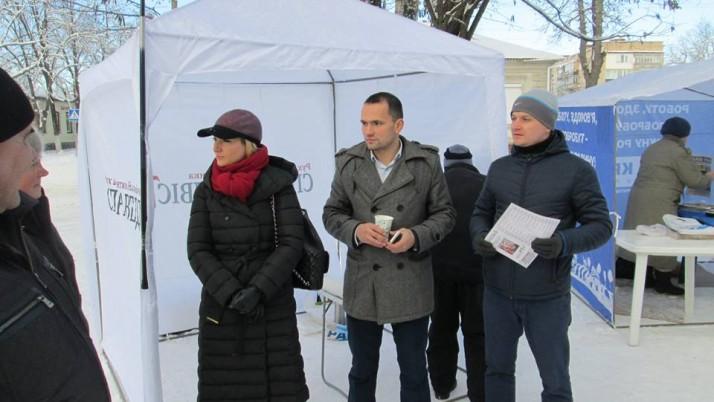 Під час виборчих перегонів в Остерську територіальну громаду політсили не гребують брудними технологіями
