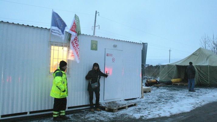 Лікарів ПДМШ продовжують допомагати людям у медпунктах біля контрольних пунктів в'їзду-виїзду на окуповані території