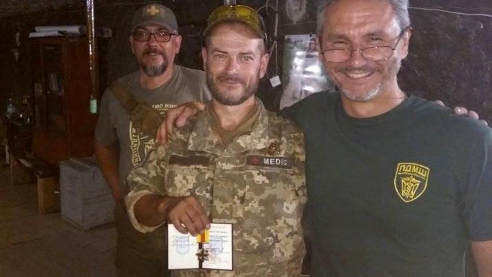 Нагороди від Міністра оборони чотирьом медикам ПДМШ дісталися передової