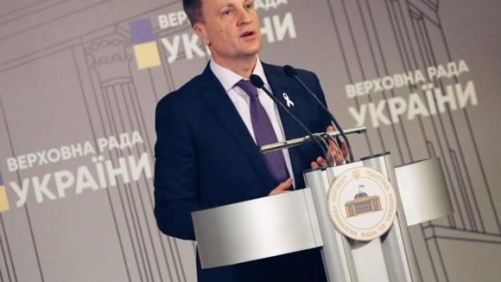 Валентин Наливайченко наполягає на відстороненні прем'єра від посади