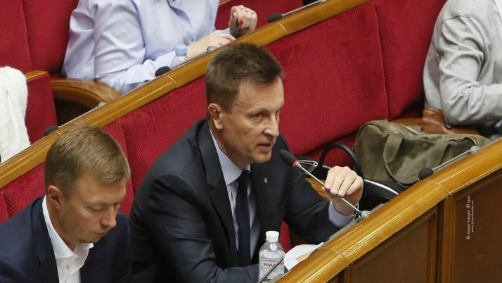 Наливайченко: Уряд повинен турбуватися про військовослужбовців, а не набивати собі кишені з держбюджету