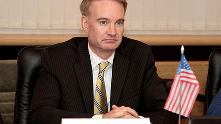 Майкл Карпентер: «Можливо, прийшов час почати дискусію про введення санкцій проти корумпованих українців»