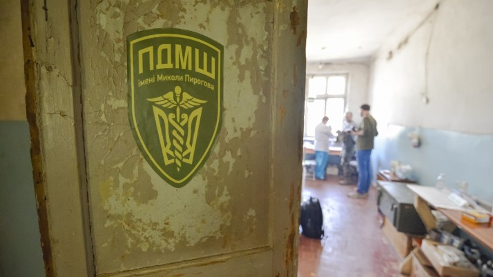 Геннадій Друзенко: «Педіатр біля лінії фронту забезпечує війську лояльність мирного населення»