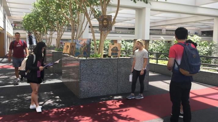 У Лос-Анджелесі відкрилася виставка ікон на підтримку ПДМШ
