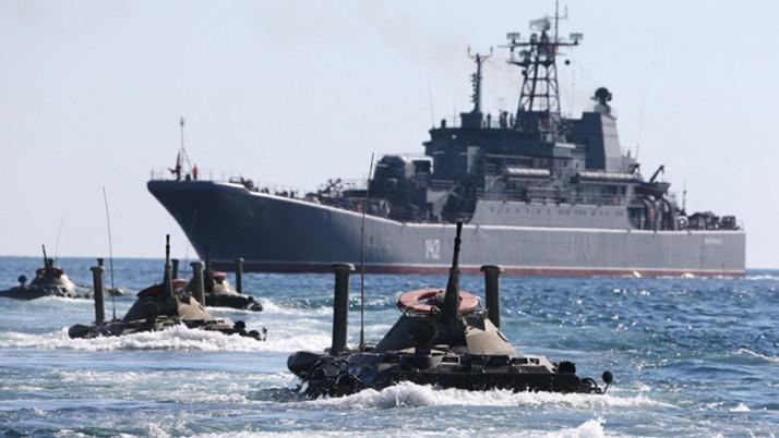 Лубківський: «Якщо у нас немає есмінців з ядерними боєголовками, може, годі посилати на вірну загибель наші катери?»