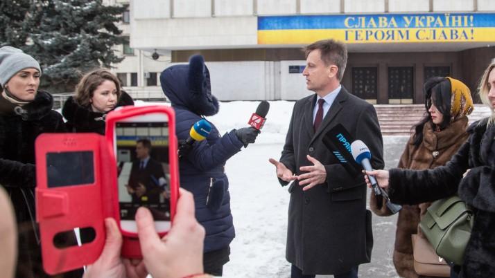 Наливайченко подав до ЦВК делегатів до всіх окружних виборчих комісій