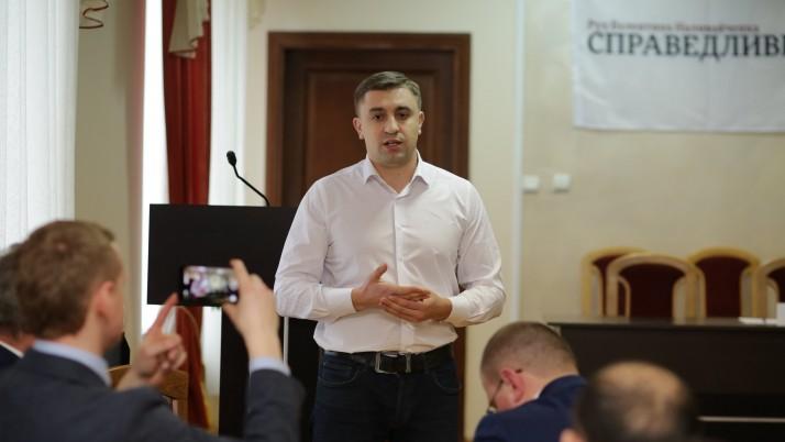 Колєсніков: «Громадяни мають отримати право на збройний захист!»